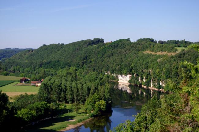 The cliffs of the Dordogne river
